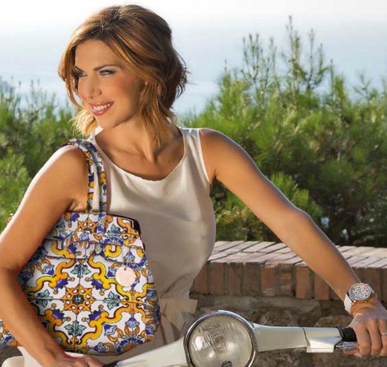 Arriva la Capri Bag Maiolica, nuovo simbolo dell'eleganza isolana