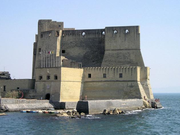Visita al Castel dell'Ovo