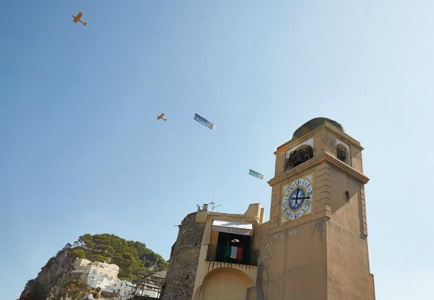 Gli auguri a Capri Watch arrivano dal cielo