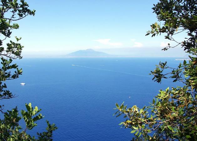 Gara di nuoto Capri - Napoli: lo sport diventa leggenda
